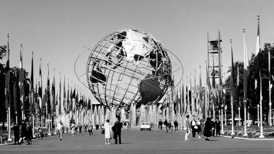 1930's World's Fair – Strong Man Competition